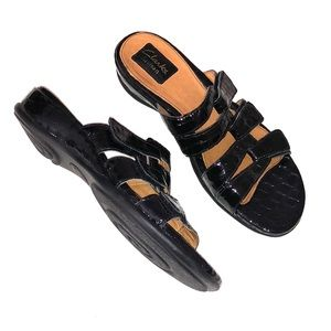 CLARKS ARTISAN SANDALS Black Patent Leather Velcro